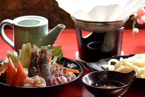 Restaurant japonais inaho sur h chi minh ville laissez for Restaurant japonais chef cuisine devant vous