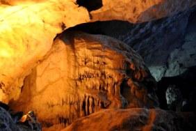 Grotte Dau Go sur l'ile de Driftwood Baie Halong