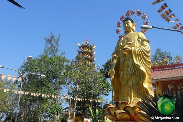 Pagoda Thai Son Nui Cau