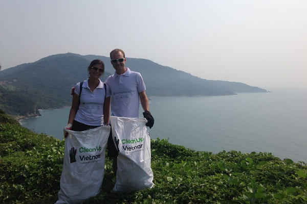 Foreigners clean Vietnam