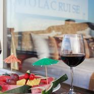 Viola cruise fresh fruits