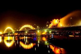 Da Nang Nightlife Tour with Dinner