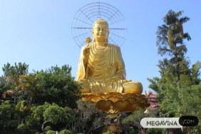 Thien vien Van Hanh Golden Buddha