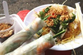 Saigon Street Food Tour by night
