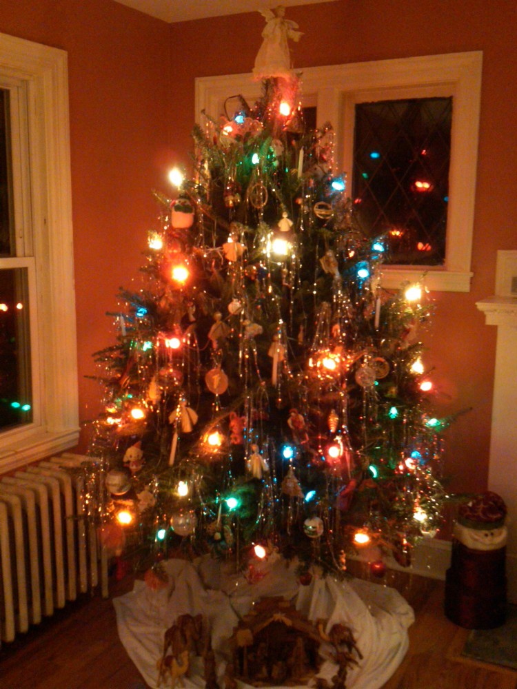 Why do we decorate a xmas tree share your pics of your for How did the christmas tree come about